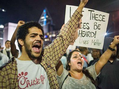 In Charlotte gab es auch in der dritten Nacht nach dem Tod eines Schwarzen heftige Proteste gegen Polizeigewalt.