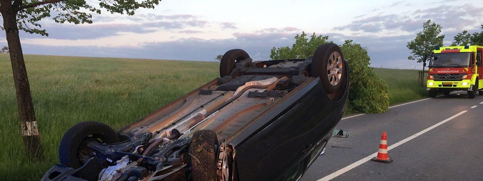 La conductrice a eu beaucoup de chance et n'a été que légèrement blessée