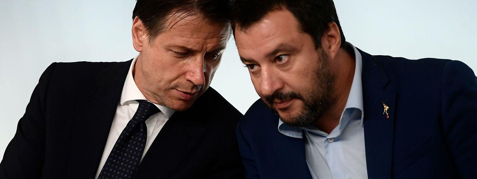 Matteo Salvini und Giuseppe Conte (l.): Die ungleichen Koalitionspartner sind sich bei vielen Themen nicht einig.