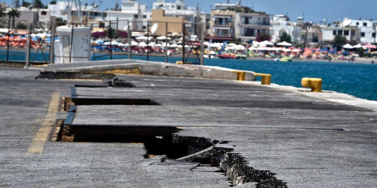 Der Jachthafen der gleichnahmigen Inselhauptstadt Kos wurde von einer Tsunami-Welle getroffen.