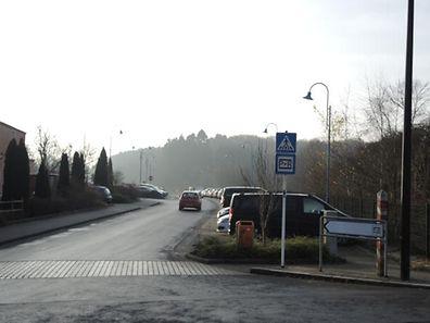 """Hinter dem """"Park&Ride"""" in Steinfort sollte die Struktur für Flüchtlinge errichtet werden."""