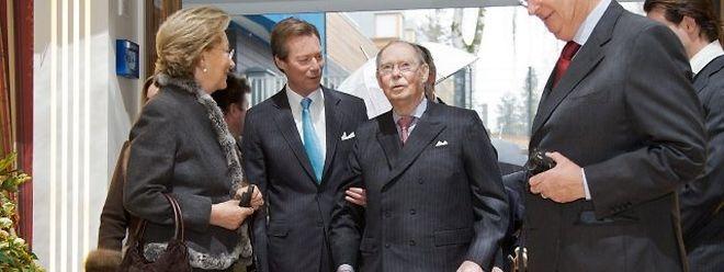König Albert II. und Königin Paola von Belgien zusammen mit Großherzog Jean und Großherzog Henri.