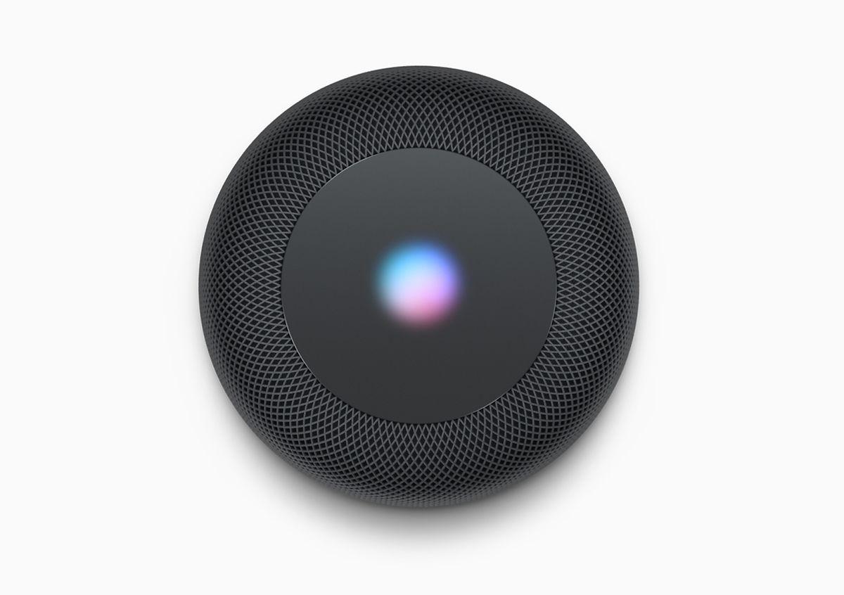 Erscheint die Wellen-Visualisierung auf der Oberseite des HomePod, weiß man, dass Siri aktiv ist. Runherum sind Touch-Bedienelemente angeordnet.