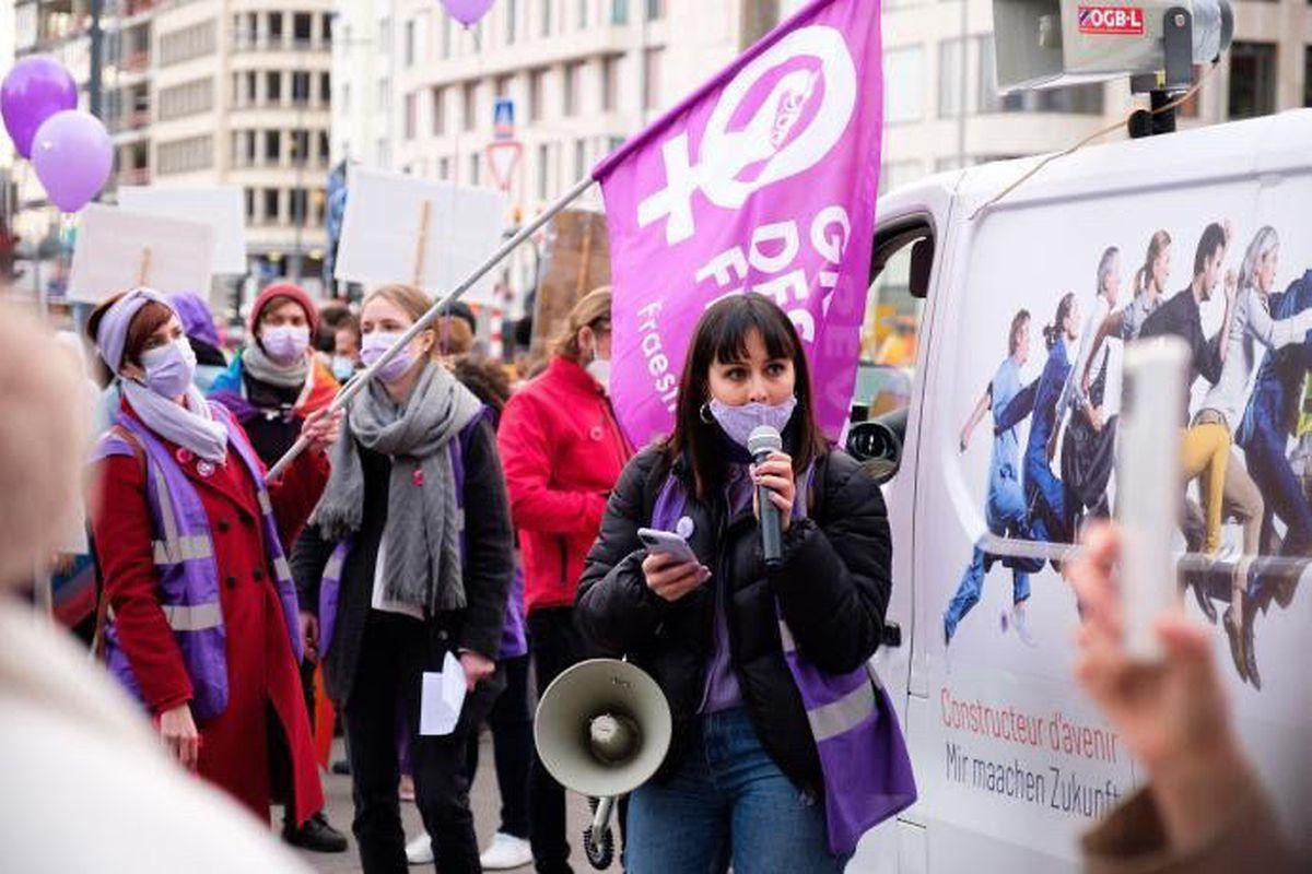 Jessica Lopes, ativista da JIF defende a adoção de uma lei que penalize o assédio de rua.