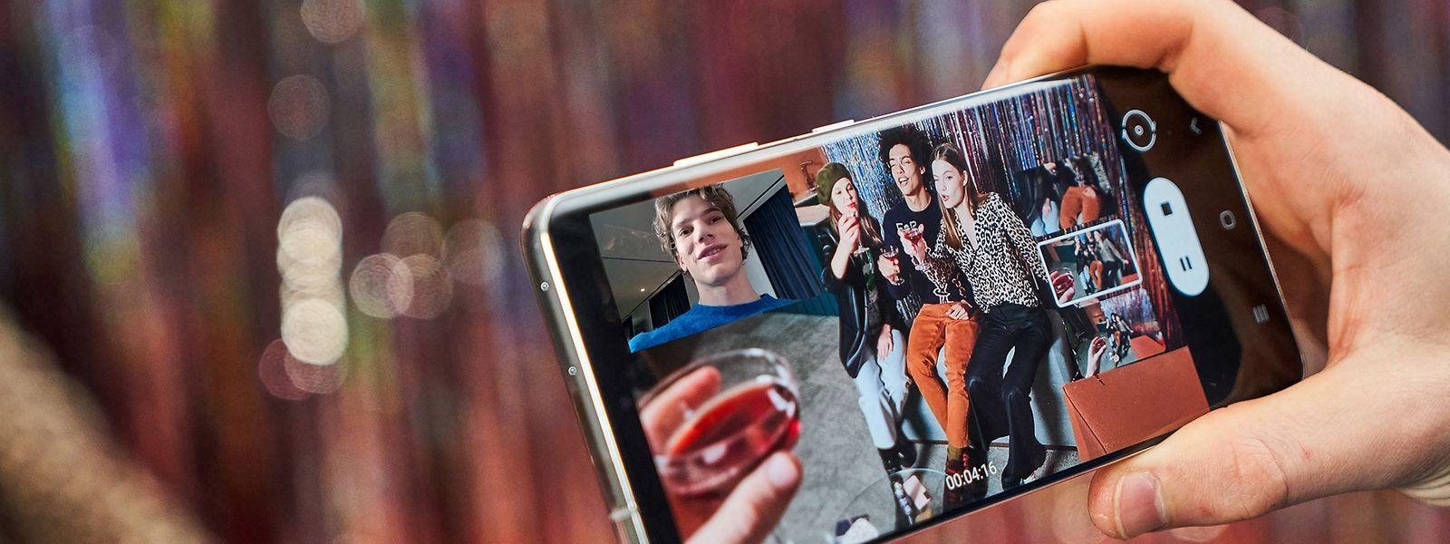 Früher als erwartet präsentieren die Koreaner die neuen Modelle: Bei Samsungs Galaxy-S21-Smartphones lassen sich die Bilder der Kameras kombinieren - zum Beispiel für Videos aus mehreren Perspektiven.