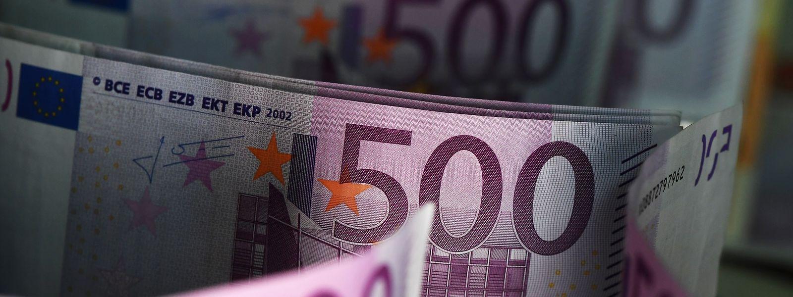 Aus und vorbei: Die lilafarbene Banknote wird nach und nach aus dem Verkehr gezogen.