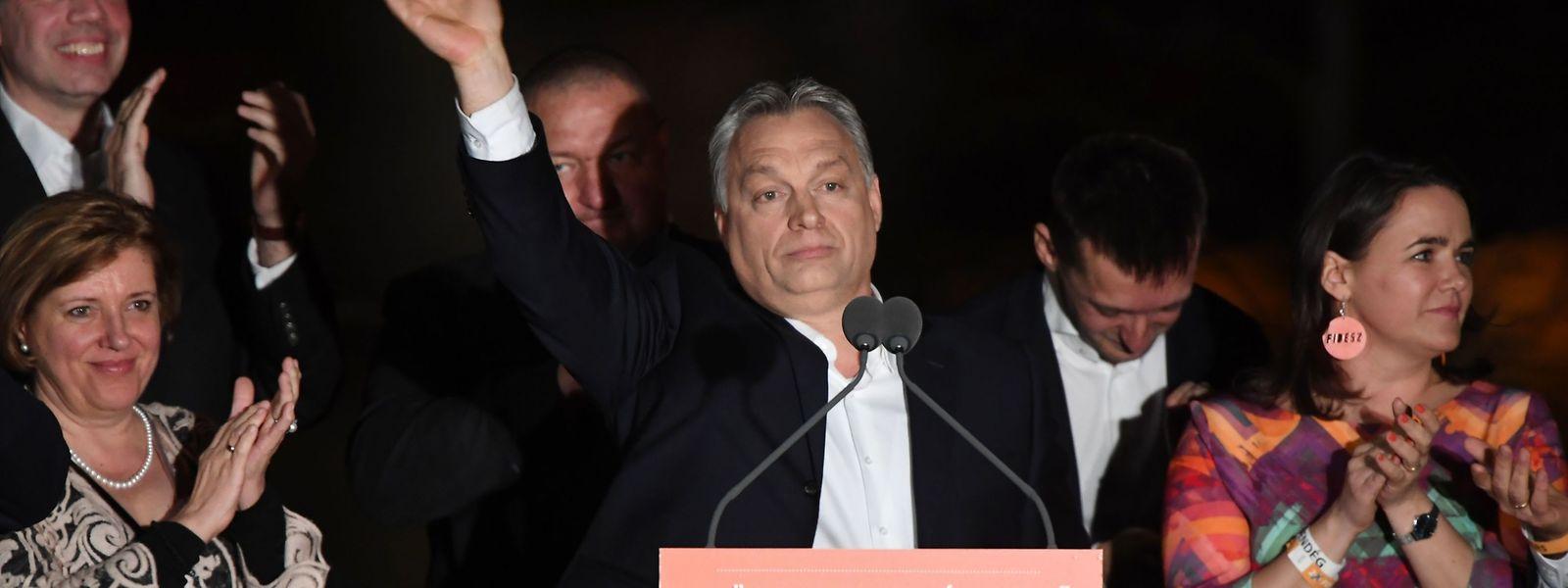 Nach Orbans erneuten Wahlsieg zeichnen sich schlechte Zeiten für unabhängige Organisationen ab, die Flüchtlingen helfen. Ein Gesetzespaket, das sie in die Illegalität drängt, könnte bereits im Mai vom neuen Parlament beschlossen werden.