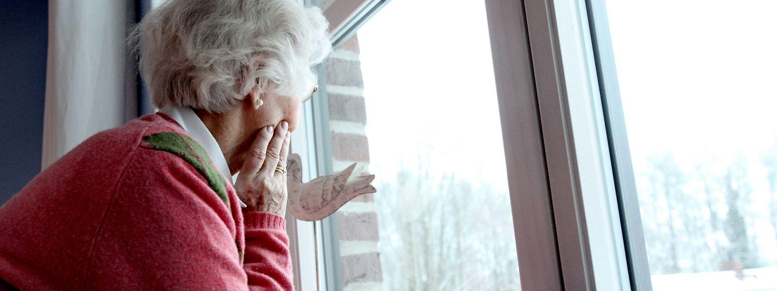 Die Einsamkeit der Senioren, die alleine zu Hause leben, wird politisch nicht thematisiert und angepackt.