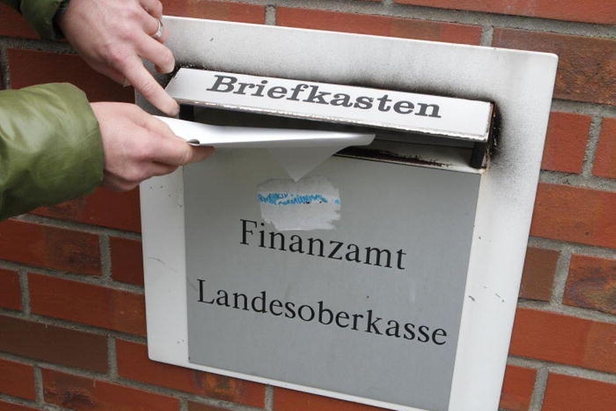 In dem Zeitraum von 2010 bis zum 30.06.2015 sind insgesamt 1580 Selbstanzeigen beim Finanzamt Trier eingegangen. Davon entfallen 1131 auf luxemburgische Anlagen.