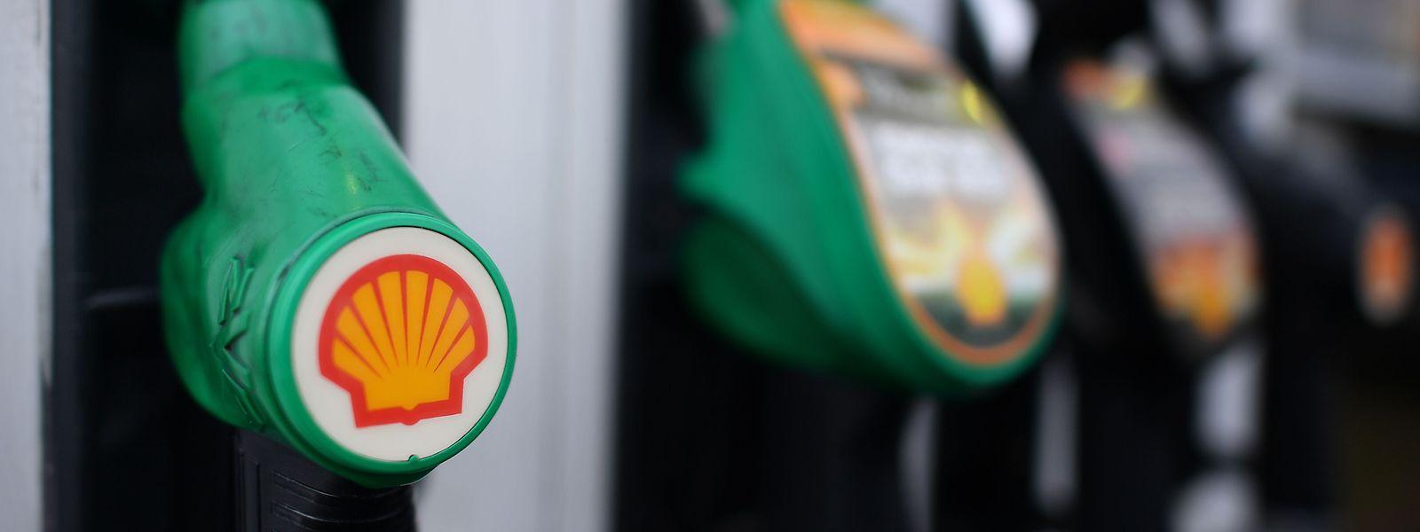 Die Benzinpreise gehen am Samstag ungewohnt kräftig nach oben.