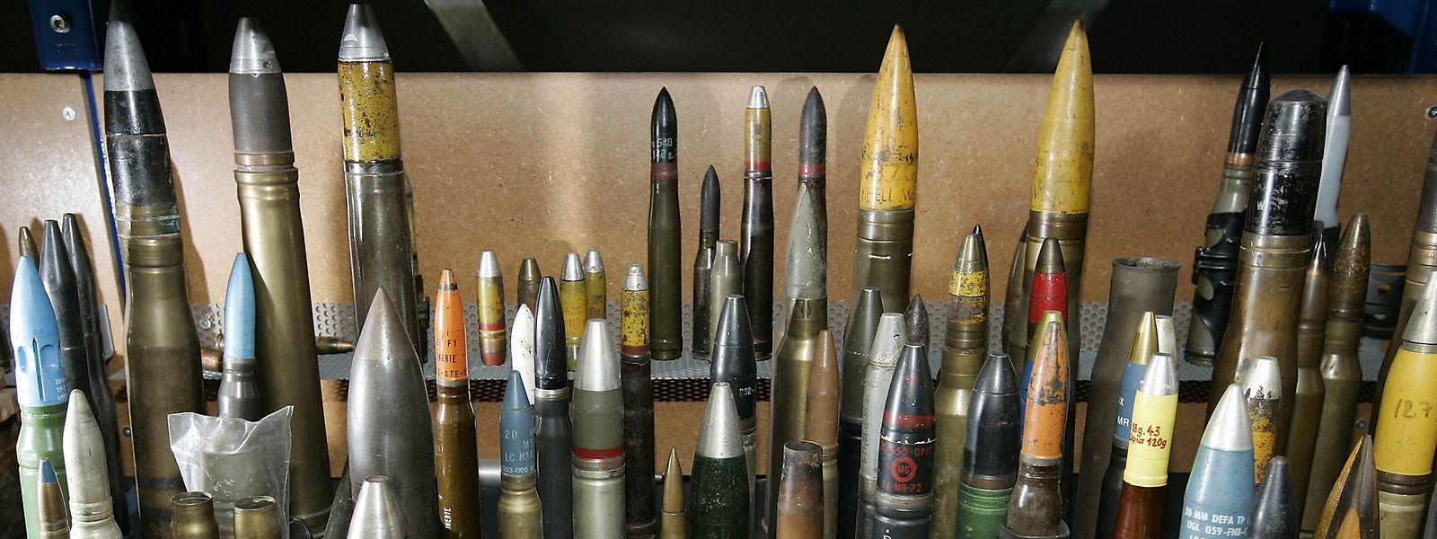 Gefährliches Arsenal: Der Service de déminage bekommt es mit den verschiedenartigsten Munitionstypen zu tun.