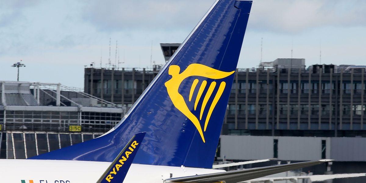 Ryanair-Passagiere müssen die Trolleys künftig am Gate abgeben.