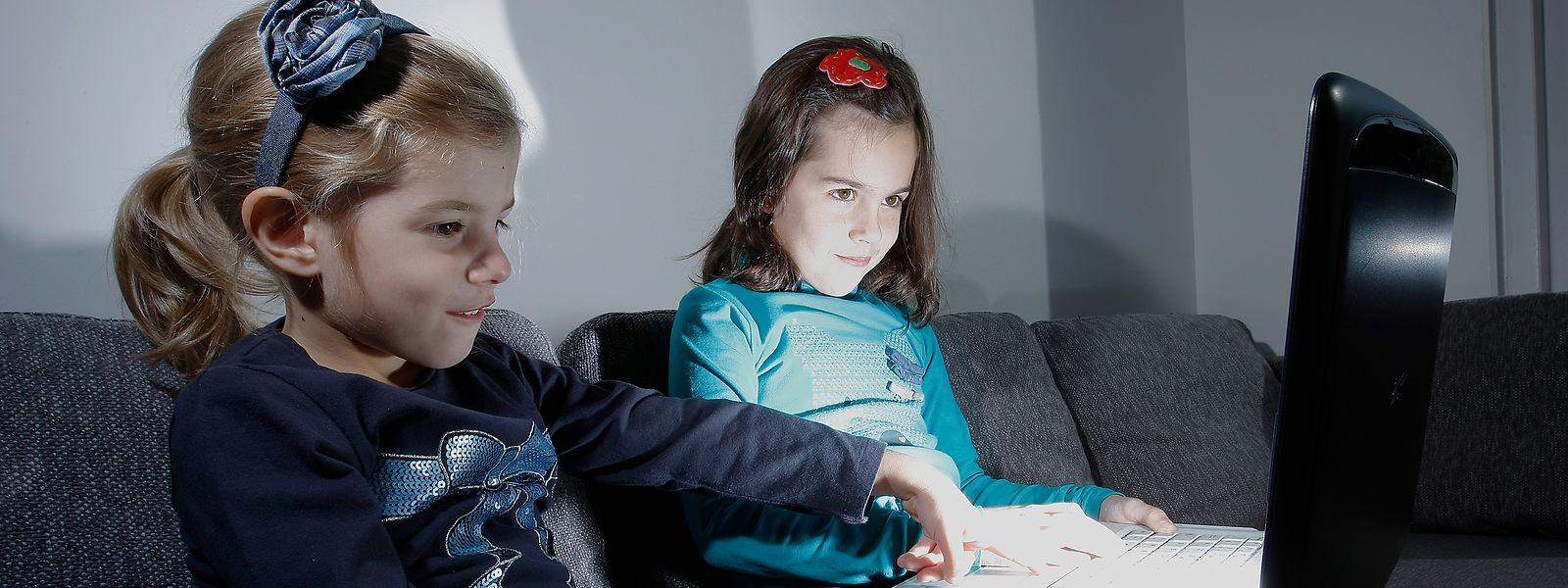 Sensibiliser les jeunes aux risques liés à l'utilisation des nouveaux médias, tel est l'objectif de la campagne «Les écrans en famille».