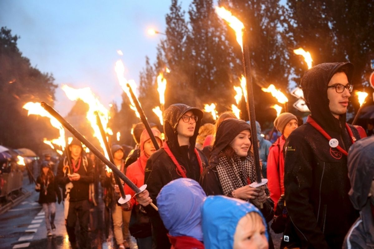 La traditionnelle retraite aux flambeaux s'élancera à 21h10 de l'avenue de la Gare.