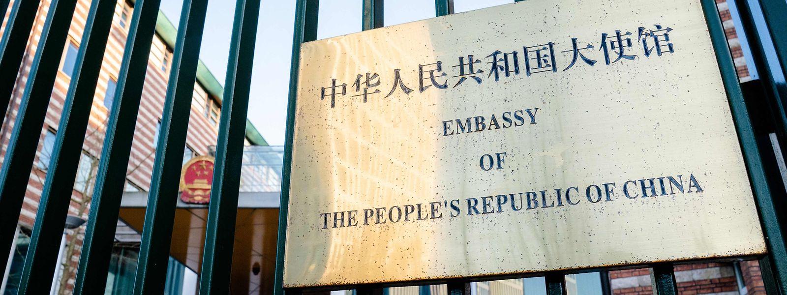 Als Reaktion auf die EU-Sanktionen kündigte Peking umgehend Gegenmaßnahmen an.
