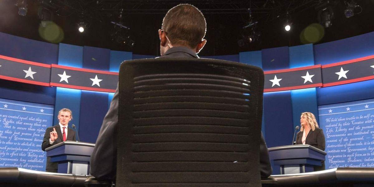 Les deux candidats s'affronteront face à face ce lundi, dans un débat qui promet d'être houleux.