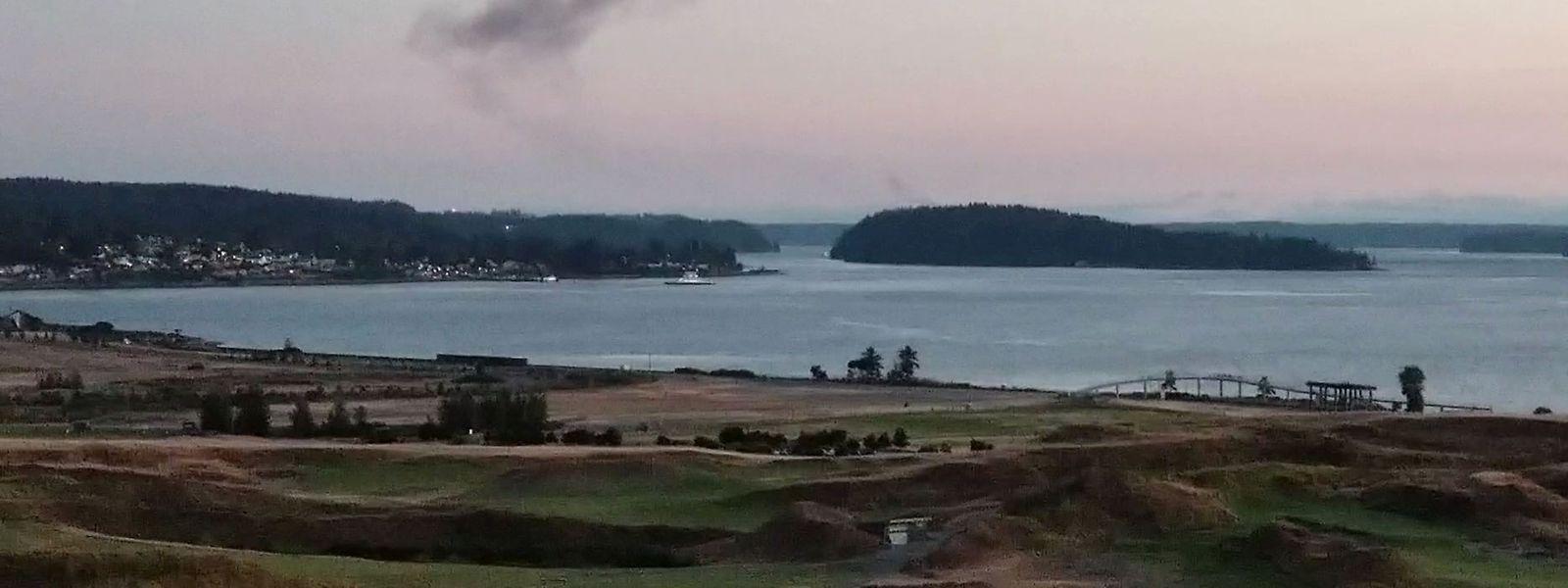 Nachdem der Mann das Flugzeug gestohlen hatte, ließ er die Maschine auf die wenig bevölkerte Insel Ketron südlich von Seattle abstürzen.