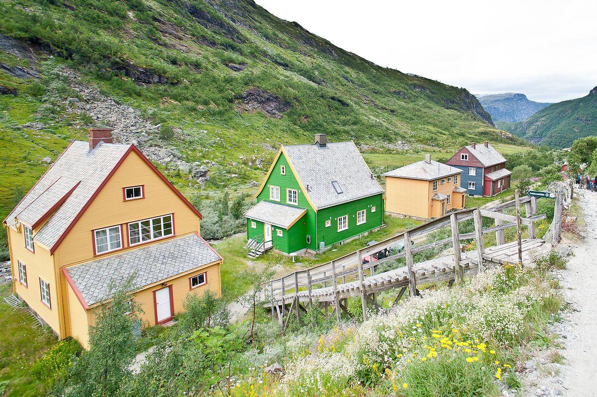 Le paysage norvégien est bariolé de gros chalets et de petites «cabines» de vacances semées plic-ploc, comme on appelle ici ces minuscules refuges.