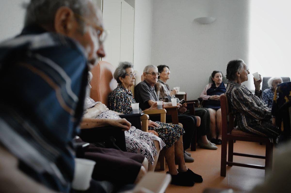 A população idosa é a principal visada por este plano preventivo.