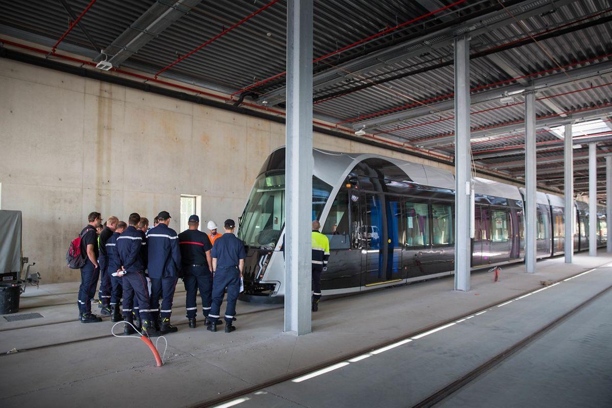 Derzeit werden die Feuerwehren aus den entlang der Tramtrasse gelegenen Gemeinden (Luxemburg-Stadt, Hesperingen, Niederanven) geschult.