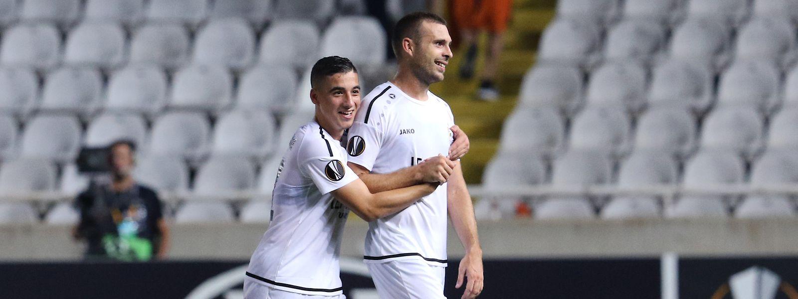 Große Freude bei Mohamed Bouchouari und Mickaël Garos.