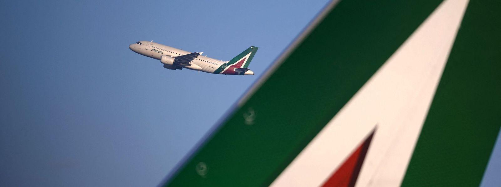 Alitalia ist seit Jahren auf staatliche Hilfen angewiesen, weil die Airline keine Gewinne mehr einfährt.