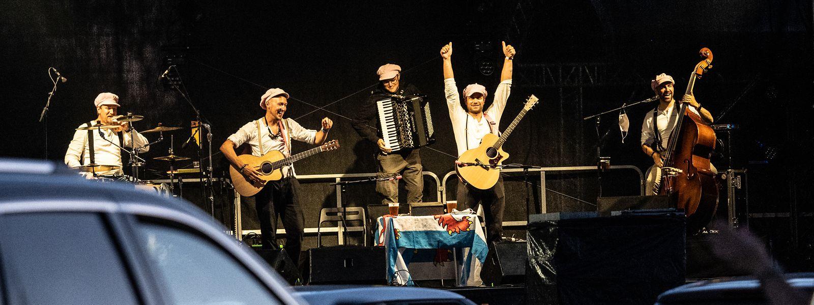 Am Freitag spielten die Dëppegéisser in der Péitenger Carena - im Anschluss gab es ein Hupkonzert.