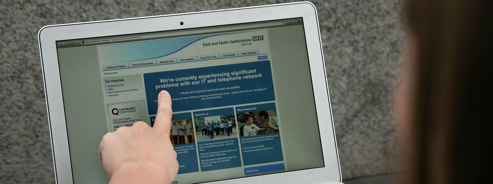 Zahlreiche britische Krankenhäuser hatten mit der Cyberattacke zu kämpfen.