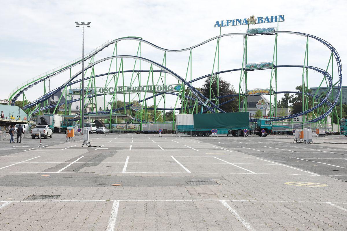 Die Alpina Bahn ist die größte transportable Achterbahn ohne Looping der Welt.