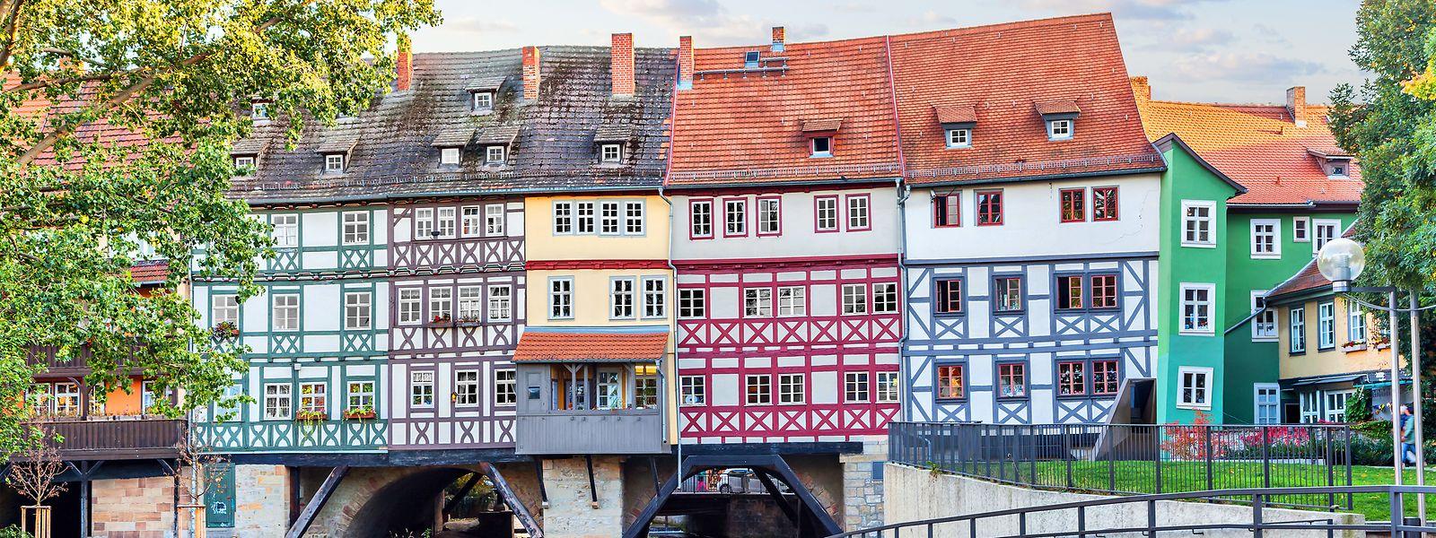 Mit 125 Metern ist die Krämerbrücke die längste durchgängig bebaute und bewohnte Brücke in Europa.