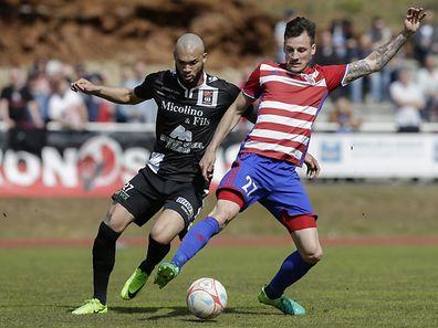 Dwayn Holter - Stafano Bensi / Fola Esch - FC Differdingen 03 30.04.2017/ Fussball BGL Ligue  Saison 2016-2017 / Foto: Fabrizio Munisso