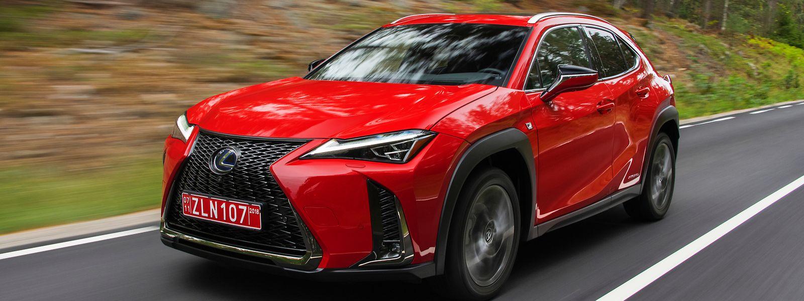 Der Lexus UX überzeugt mit seinem dynamischen Auftritt.