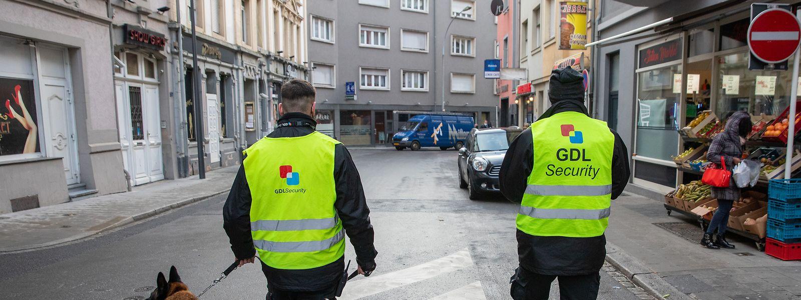 Seit dem 1. Dezember patrouillieren im Bahnhofsviertel private Wachleute.