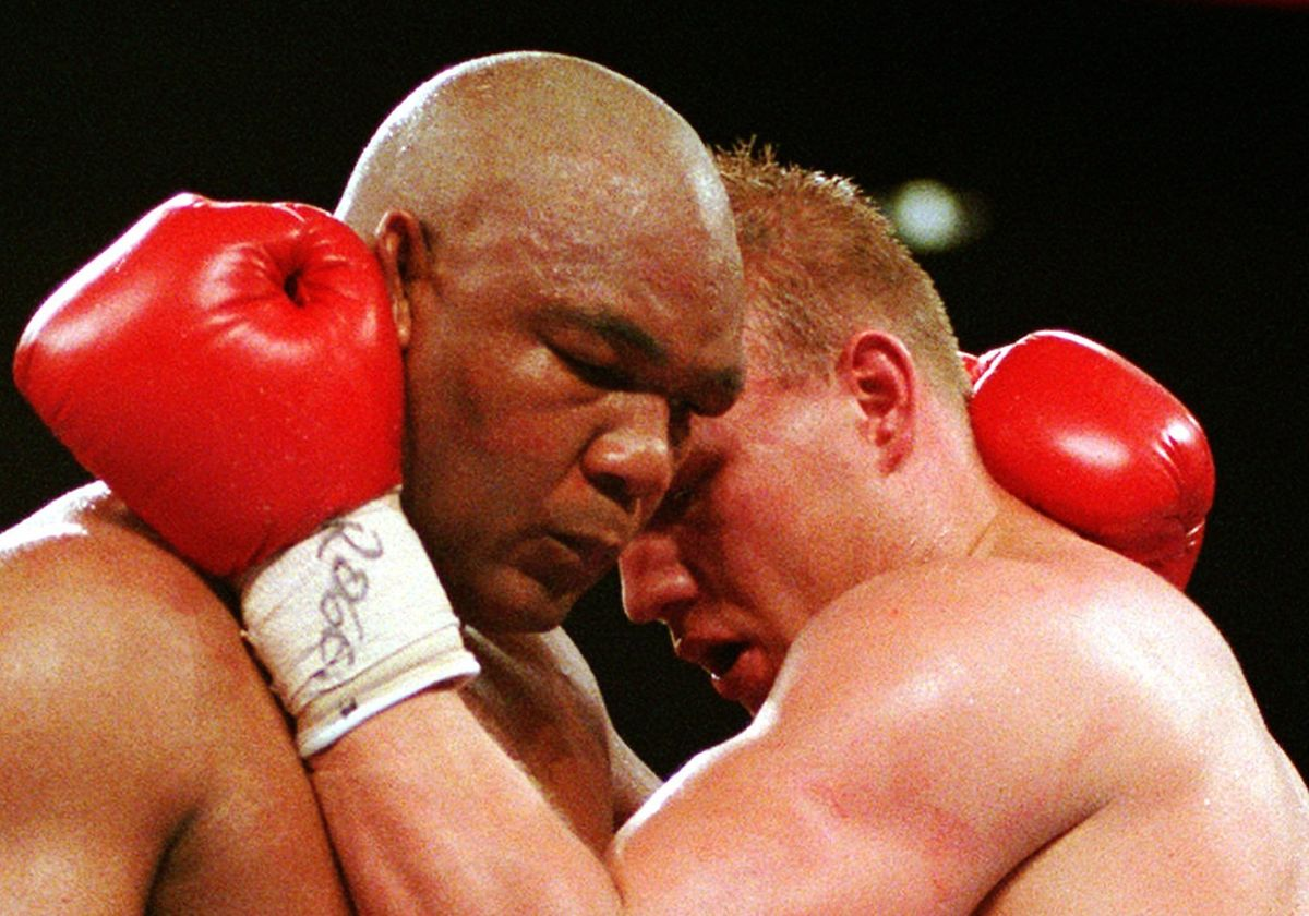 1995 kämpfte der Deutsche Axel Schulz in Las Vegas gegen George Foreman (l.).