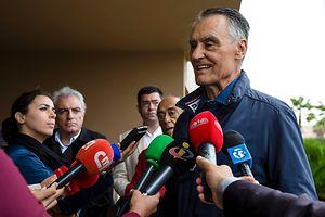 O Presidente da República, Cavaco Silva, fala aos jornalista durante a visita ao Torneio de golfe Portugal Solidário