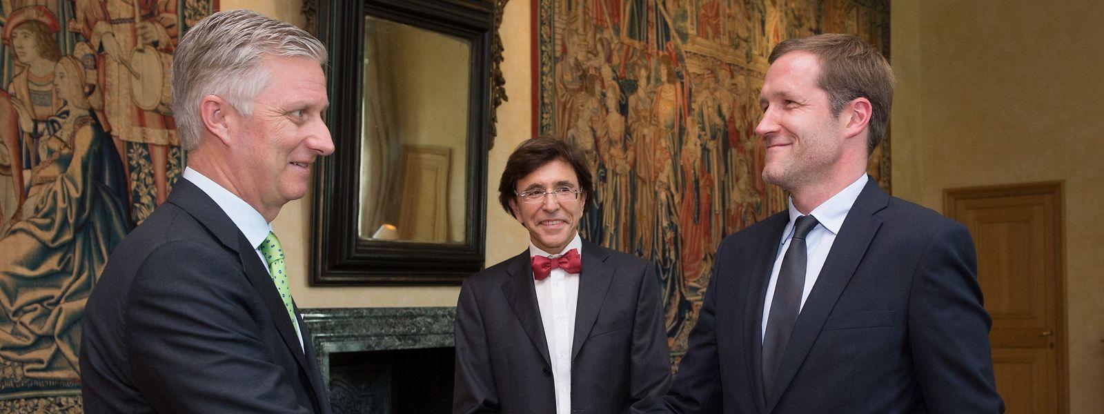 Paul Magnette (à dr.) a été chargé mardi par le roi Philippe d'explorer les possibilités de formation d'une nouvelle coalition