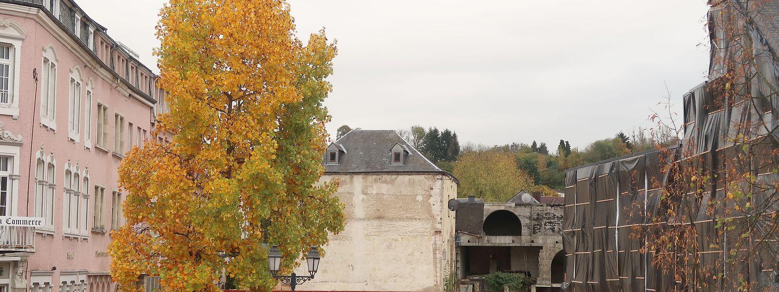 In absehbarer Zeit sollen auch die Gebäude in der Mitte abgerissen werden, damit der Komplex mit Wohnungen, Läden, einem Restaurant und einem Bistro gebaut werden kann.