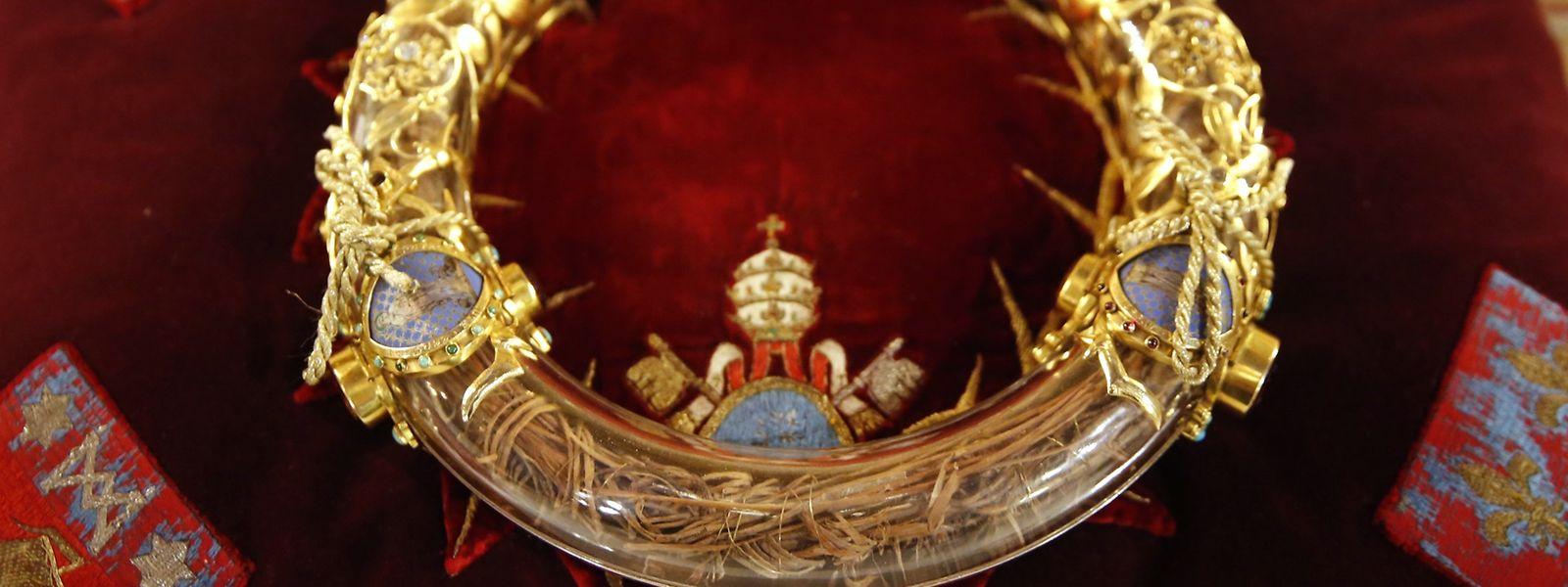 Die Dornenkrone aus Notre-Dame de Paris ist eine wichtige Reliquie für Katholiken. Es soll sich um das Original handeln, das Jesus bei der Kreuzigung trug.