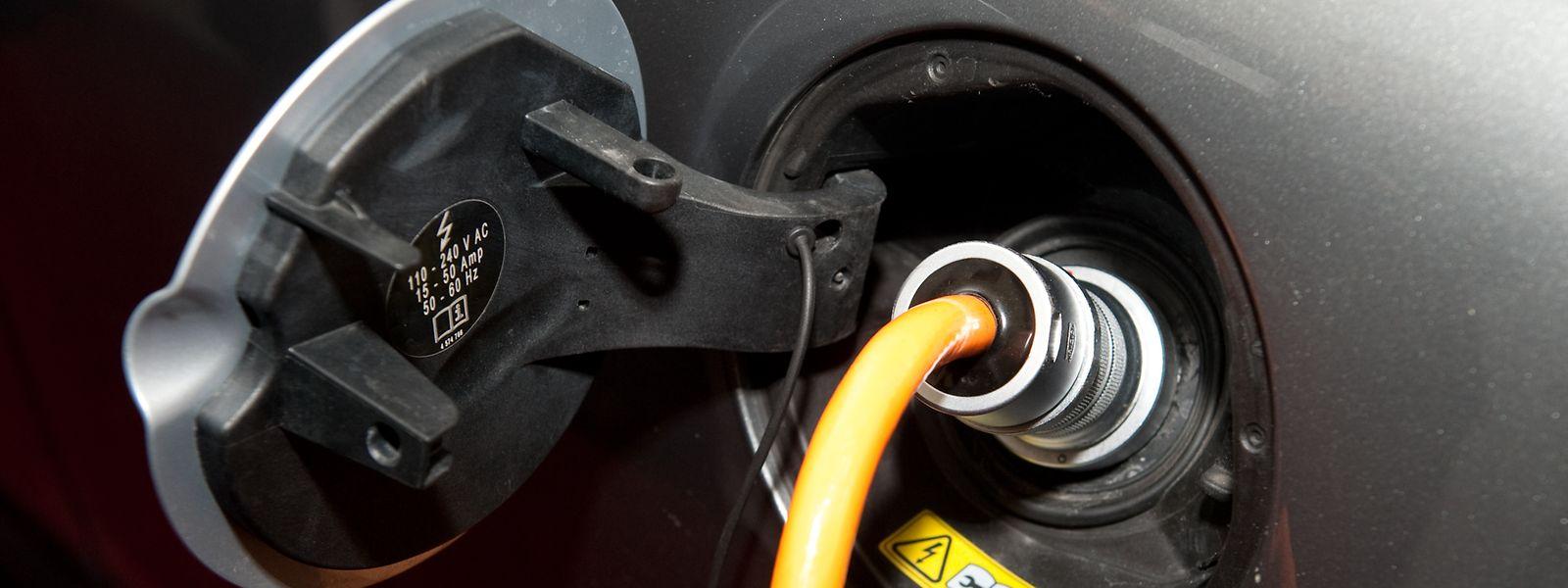 La prise en charge de l'Etat s'élève jusqu'à 50% de l'ensemble de la station de recharge électrique avec un montant plafonné entre 750 et 1.650 euros.