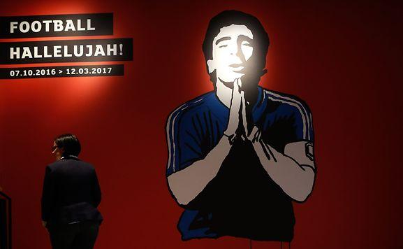 """Résultat de recherche d'images pour """"football hallelujah luxembourg ville"""""""