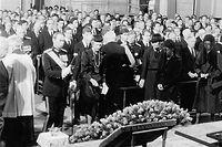 Großherzog Jean und seine Ehefrau Joséphine Charlotte nehmen Abschied von Großherzogin Charlotte.