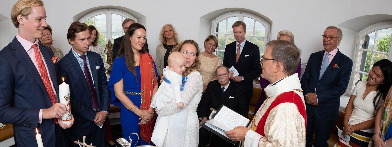 Die Taufe von Zeno fand am Freitag auf Schloss Berg statt.