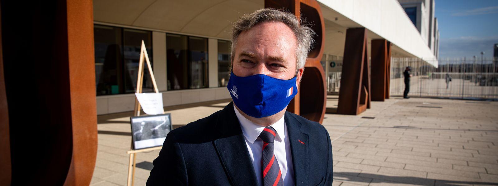 En après-midi, le secrétaire d'Etat doit rencontrer les élus consulaires, les représentants de la communauté française du Luxembourg.