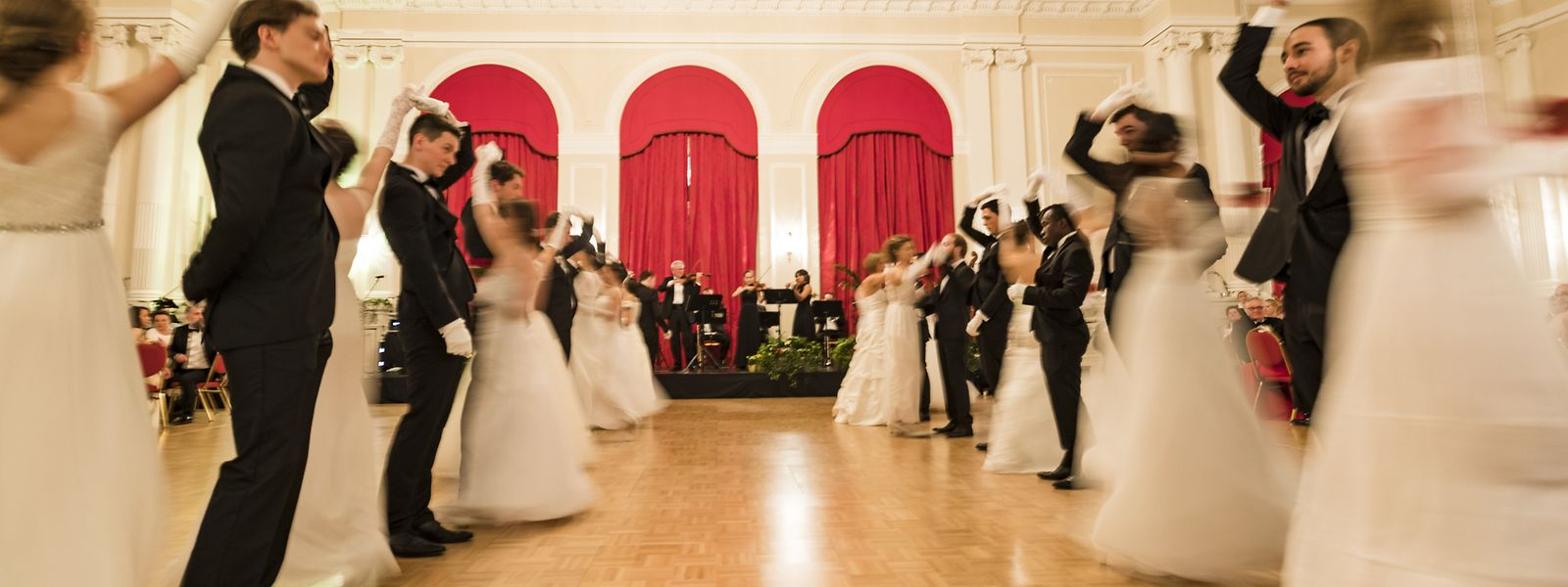 Bereits zum 16. Mal tanzten am Samstagabend im hauptstädtischen Cercle Cité gutgelaunte Gäste in feinen Roben bis spät in die Nacht.