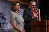 WASHINGTON, DC - JANUARY 25: Speaker of the House Nancy Pelosi (L) (D-CA) and Senate Minority Leader Chuck Schumer (R) (D-NY) answer questions following an announced end to the partial government shutdown at the U.S. Capitol January 25, 2019 in Washington, DC. U.S. President Donald Trump agreed to reopen federal agencies shutdown for the past 4 weeks while negotiations about border security take place between congressional leaders over the next three weeks.   Win McNamee/Getty Images/AFP == FOR NEWSPAPERS, INTERNET, TELCOS & TELEVISION USE ONLY ==