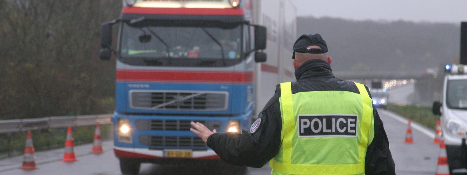 Vendredi 20 novembre. Un dispositif des policiers de la PAF de Thionville est toujours en place sur l'A31 à hauteur de l'aire d'Entrange à 7 km de la frontière.