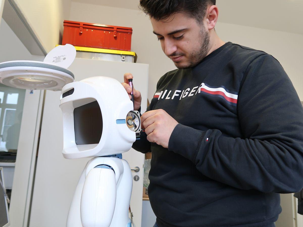 Le prix de départ d'un QT robot est fixé à 6.800 euros. Son prix final varie en fonction des options que demande le client.
