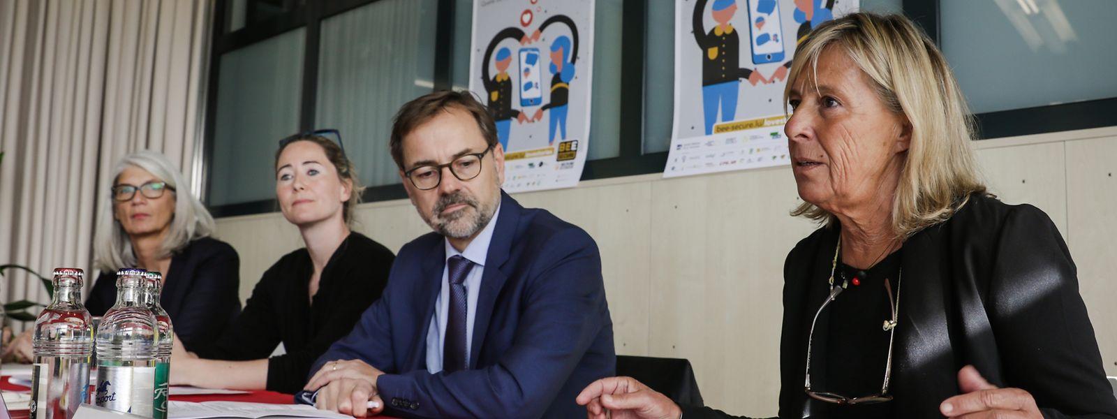 "Präsentierten die ""Love Stories 4.0""-Kampagne: Jutta Gansemer (AFP-Solidarité Famille), Debora Plein (Bee Secure), Georges Metz (Service National de la Jeunesse) und Barbara Gorges-Wagner (Kanner-Jugendtelefon) (v.l.n.r.)."