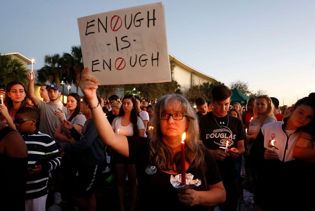 Nach der Parkland-Tragödie war das Verlangen nach strengeren Waffengesetzen groß. In Anbetracht der darauf folgenden gesetzgeberischen Tatenlosigkeit erweist sich die Macht der National Rifle Association als größer.