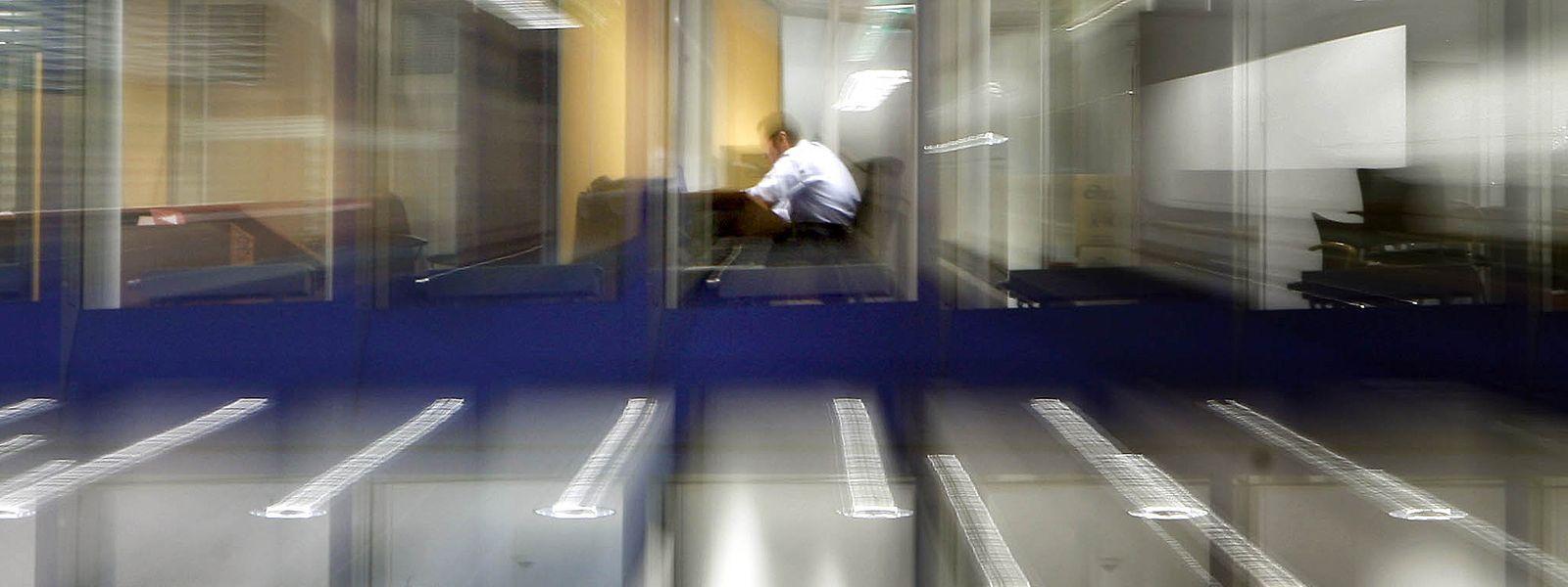 """""""Bereitschaft zu Mehrarbeit erwünscht"""": Nicht in allen Branchen werden Arbeitszeiten systematisch erfasst – auch, um geleistete Überstunden zu kaschieren."""